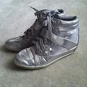 Justice Girl's Sequin High Top Sneakers | Size 5